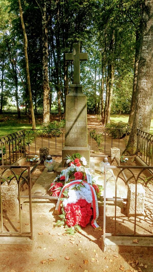 Emilijos Pliaterytės kapas